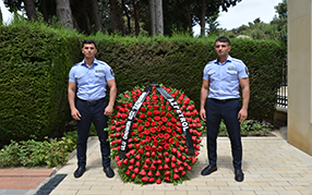 """""""Azpetrol"""" Company visited the grave of national leader Heydar Aliyev on the occasion of his birthday."""